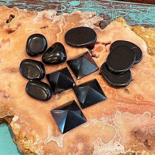 shungite stones